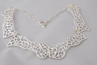 2048 collar Pedrera 4p